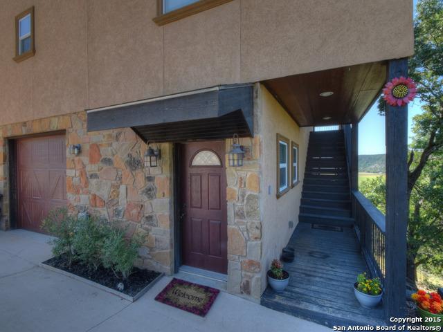 912 Kindersley St, Canyon Lake, TX