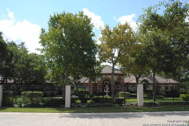 4 Remington Cir, San Antonio, TX