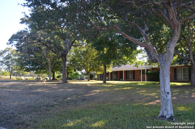 13246 State Highway 16, Pipe Creek, TX