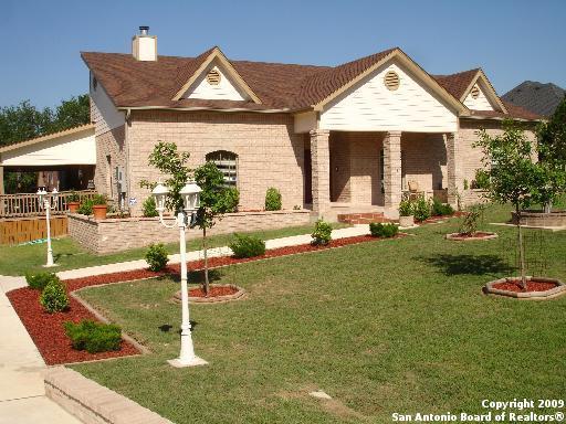 8453 Raintree Woods Dr, Boerne, TX