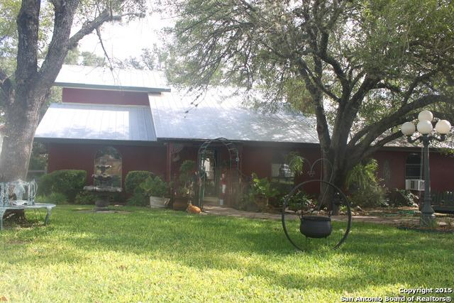 782 Lakeshore Dr, Bandera, TX