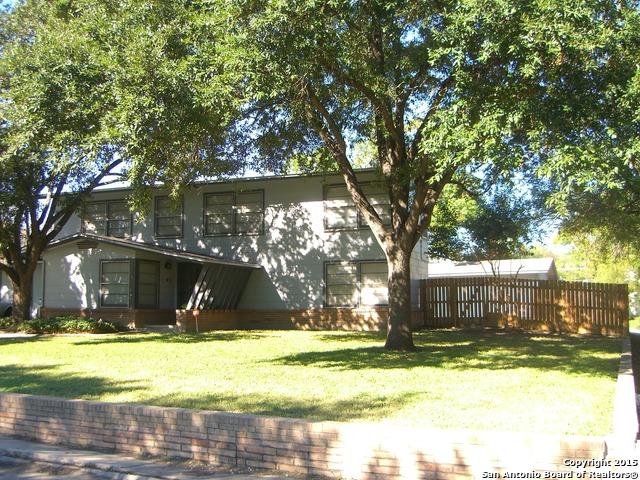 2407 W Gramercy Pl, San Antonio, TX
