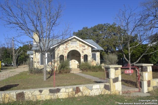 610 Main St, Bandera TX 78003
