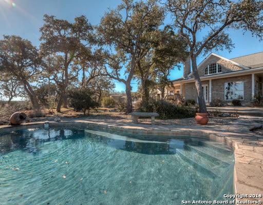 1242 S Bear Creek Rd, Kerrville, TX