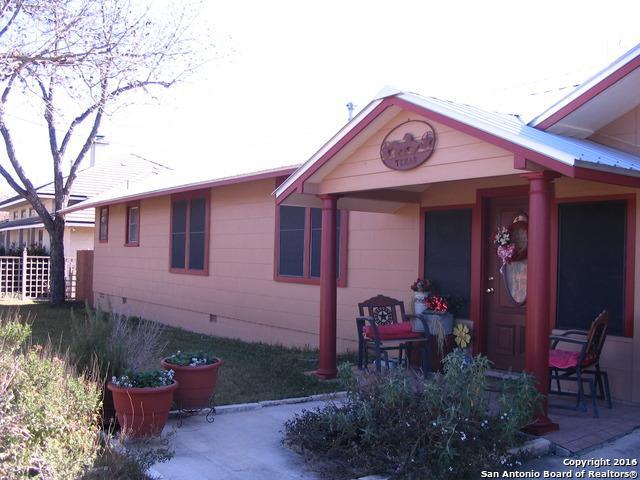 1410 Cherry St, Bandera TX 78003