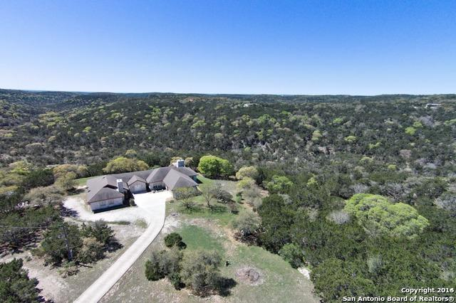 998 Mountain Creek Rd, Pipe Creek, TX