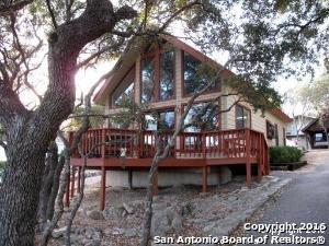 1544 Trailridge Dr, Canyon Lake TX 78133