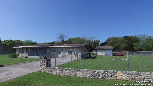 1115 Blue Ridge Dr, Canyon Lake TX 78133