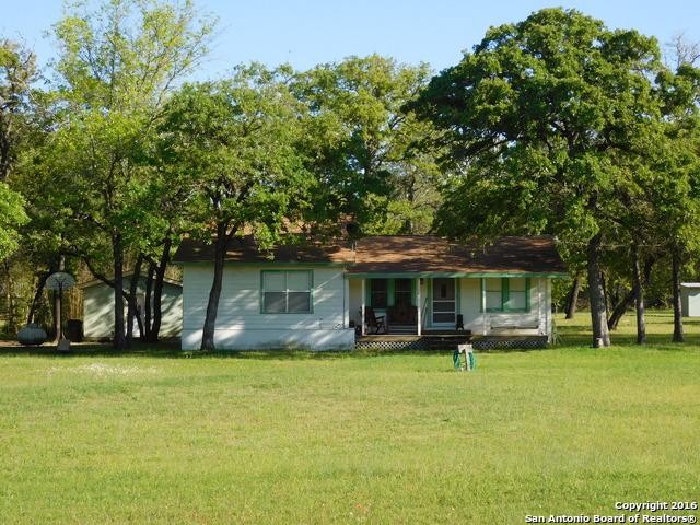 157 Black Jack Rd, La Vernia, TX
