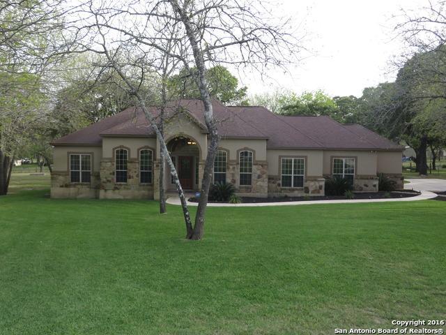 185 Legacy Ranch Dr, La Vernia TX 78121