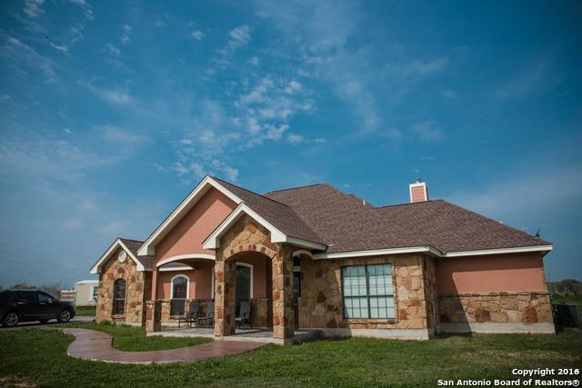 18425 Kinney Rd, Von Ormy, TX