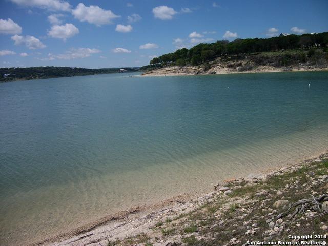 220 Edge Hill Dr Canyon Lake, TX 78133