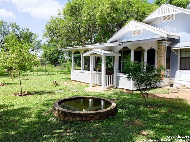343 Village Dr, Somerset, TX