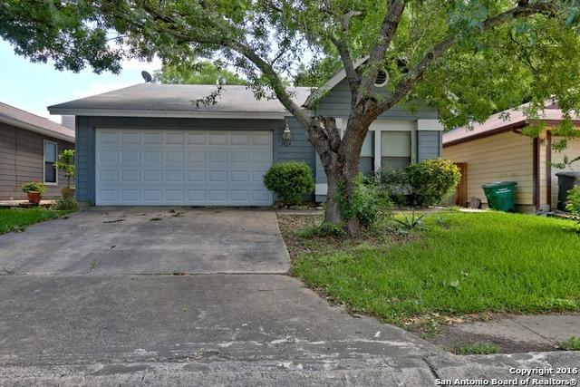 3924 Heritage Hill Dr, San Antonio TX 78247