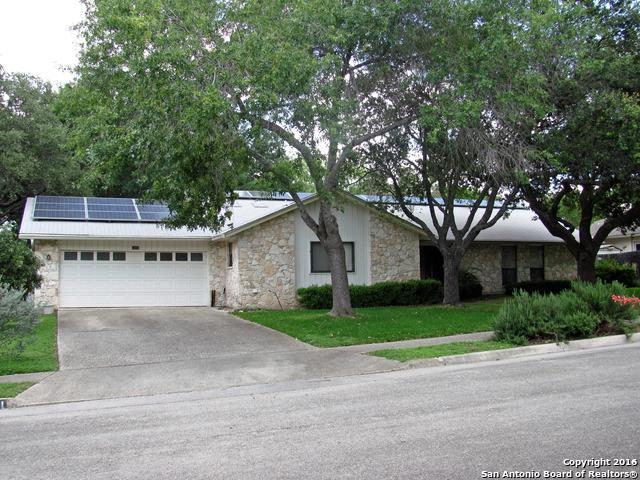 1411 Plumeria St, San Antonio, TX