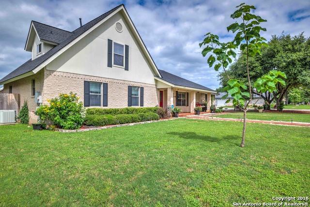 1232 Fox Glen Rd, New Braunfels TX 78130