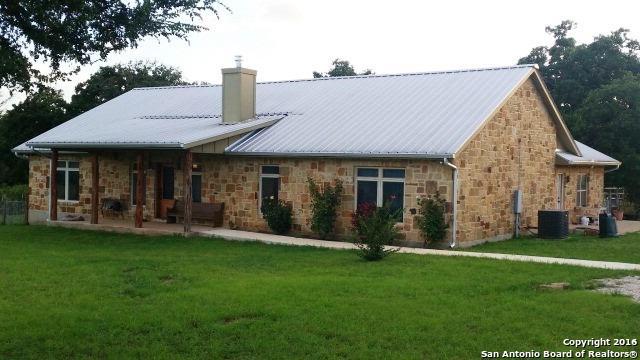 690 Prairie View Trl, Fredericksburg, TX