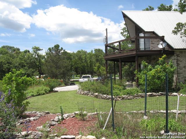 207 Rodney Ln Canyon Lake, TX 78133