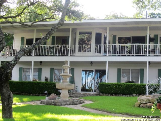 1558 Trailridge Dr Canyon Lake, TX 78133
