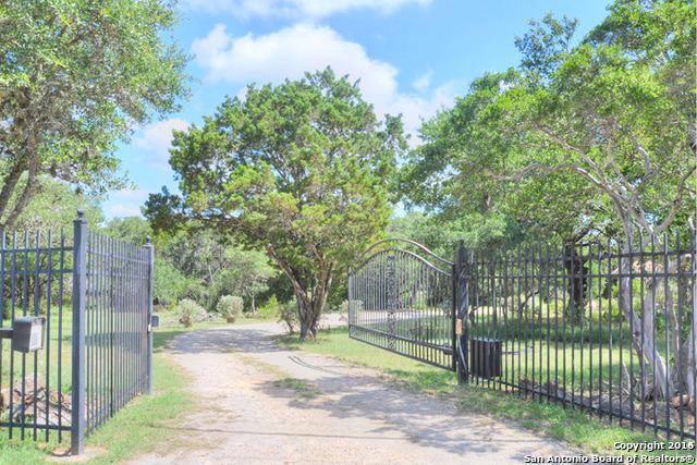 3530 River Oaks Dr New Braunfels, TX 78132