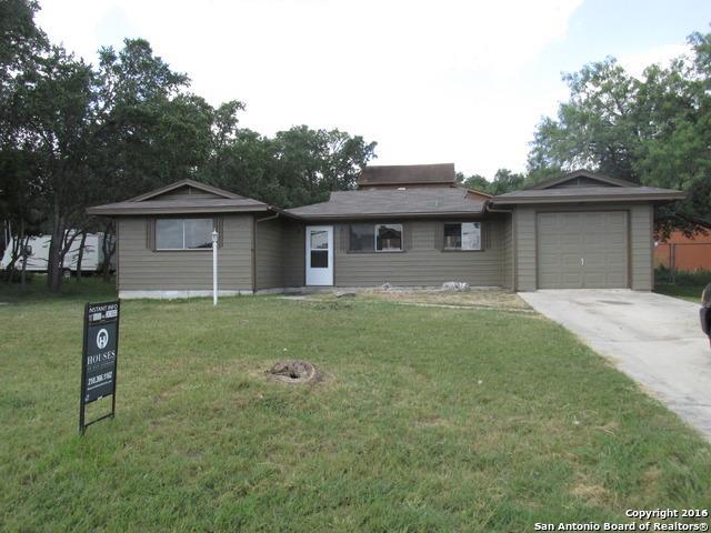 2554 Glenn Dr Canyon Lake, TX 78133