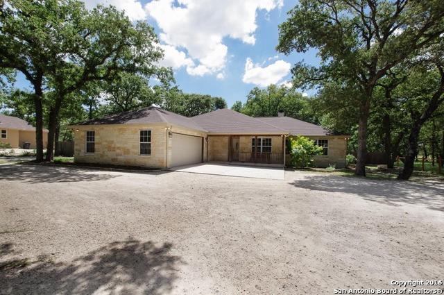513 Jacobs Ln La Vernia, TX 78121