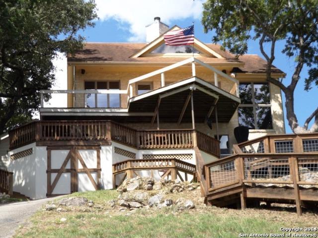 1611 W Lakeside Dr Canyon Lake, TX 78133