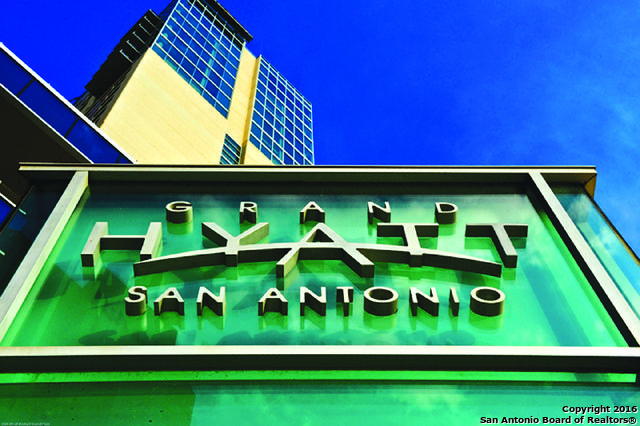 Loans near  E Market St , San Antonio TX