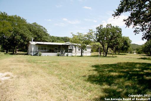 273 Kruse LoopLakehills, TX 78063