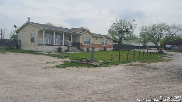 1414 N EsplanadeKarnes City, TX 78118