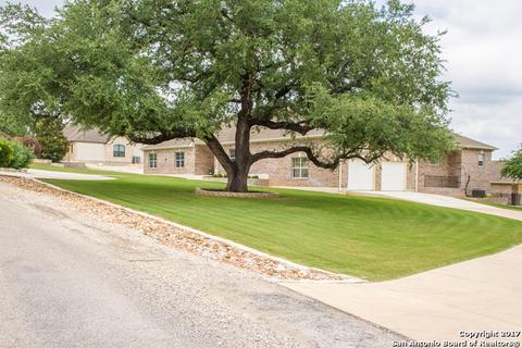 638 Shady Holw, New Braunfels, TX 78132