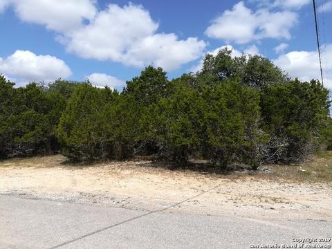 1473 Charter Oak Dr, Canyon Lake, TX 78133