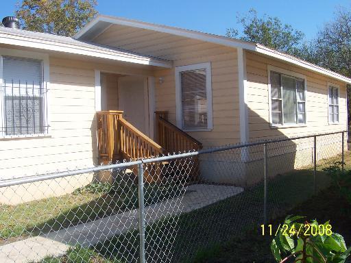 330 SW 34th, San Antonio TX 78237