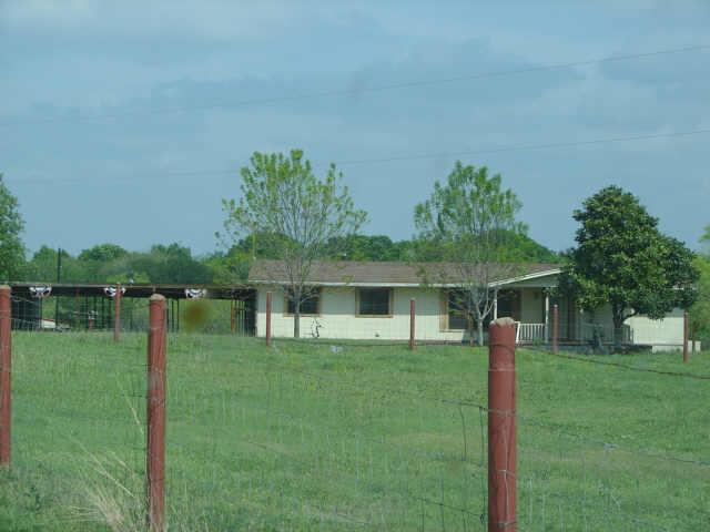 11124 NW County Road 170 Ennis, TX 75119