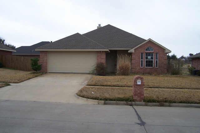 1005 E Burnett St, Ennis TX 75119