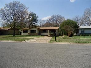 1372 Hillcrest Dr, Graham, TX
