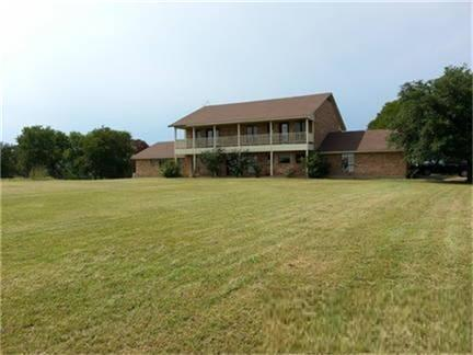 1143 Vz County Road 3702, Wills Point, TX