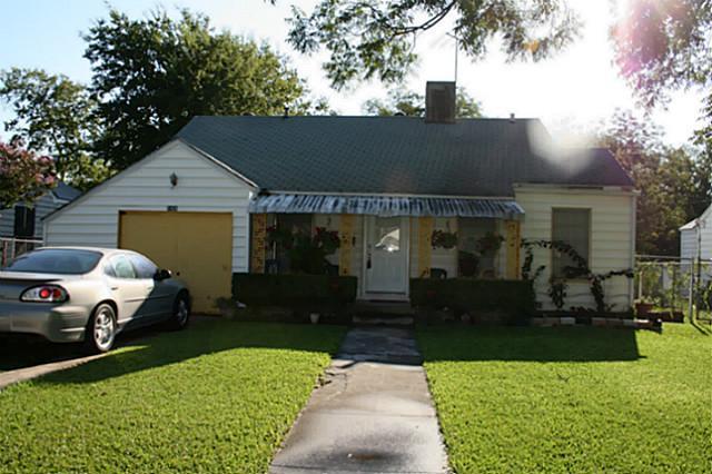 1424 Byrd Dr, Fort Worth, TX 76114
