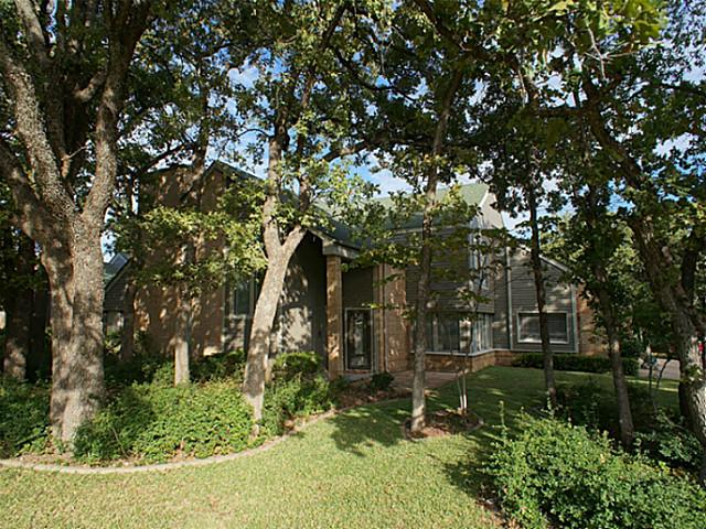 215 Inverness Dr, Roanoke, TX