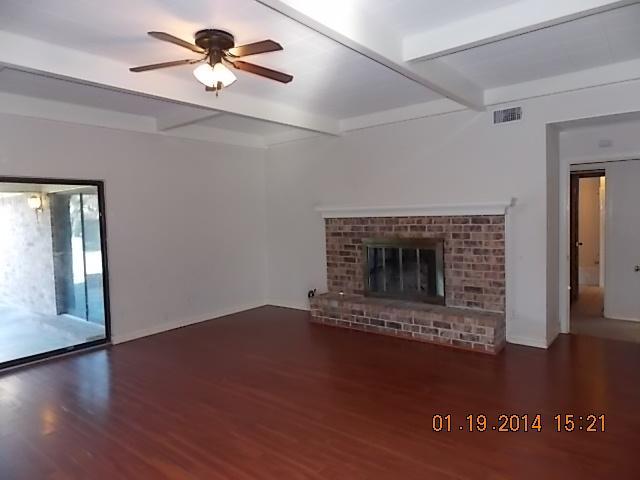 2546 Sunnyvale Rd Grand Prairie, TX 75050