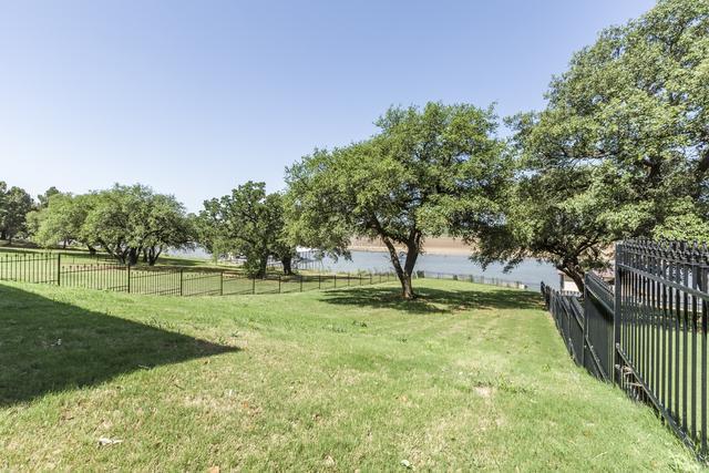 3500 Abes Landing Dr, Granbury, TX