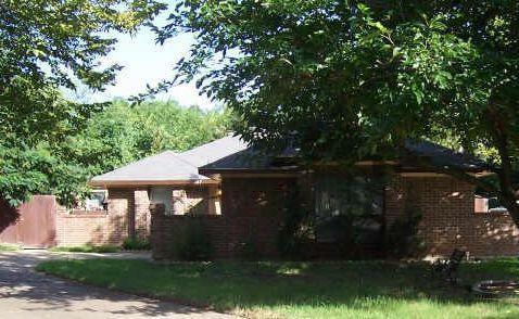 107 Colonial Cir, Seagoville, TX