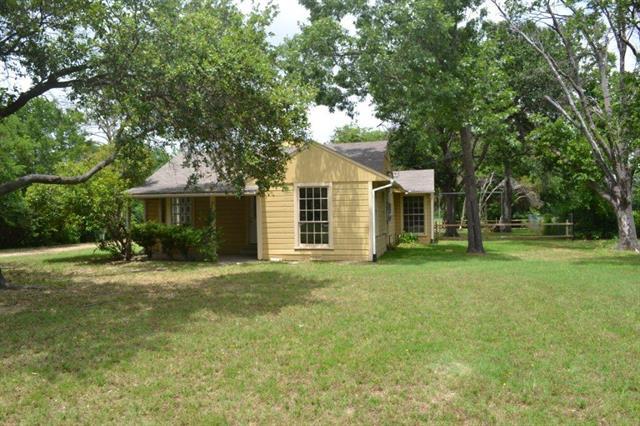 906 Griffith Ave, Terrell, TX