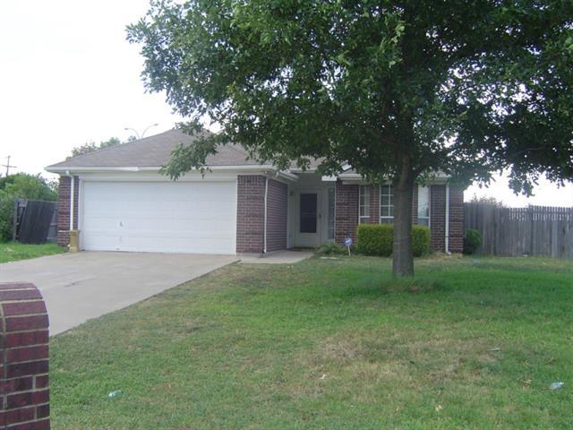 1301 Brookgrove Ct, Arlington, TX