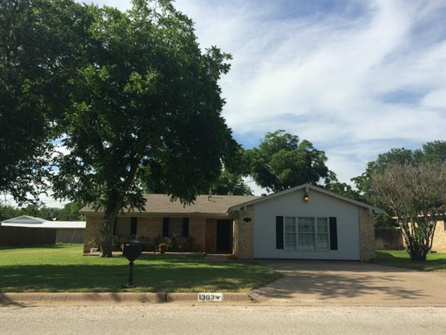 1303 Randy Dr, Graham, TX