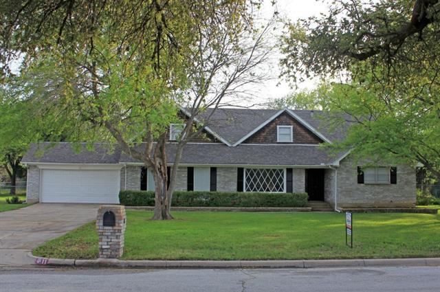 11 Cliffside Dr, Fort Worth, TX