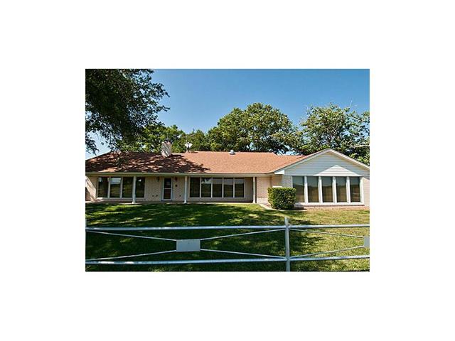 673 W N Woody Rd, Azle, TX