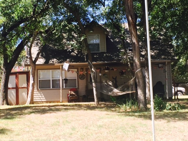 4105 Lakeshore Dr, Granbury, TX