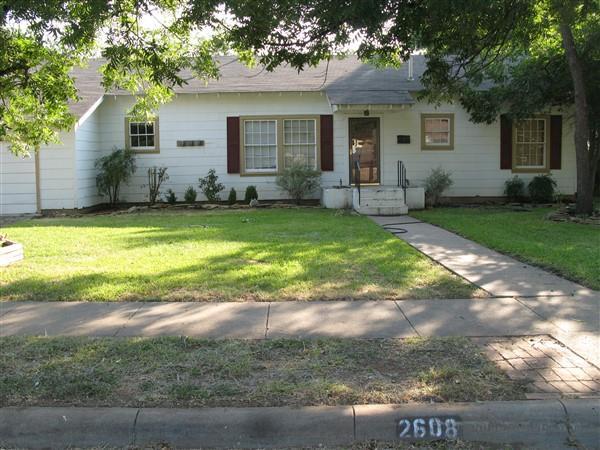 2608 Elizabeth Dr, Brownwood, TX