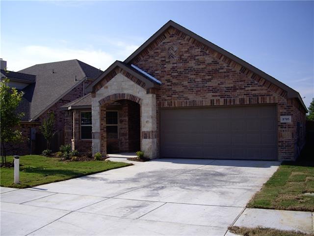 8705 Regal Royale Dr, Fort Worth, TX